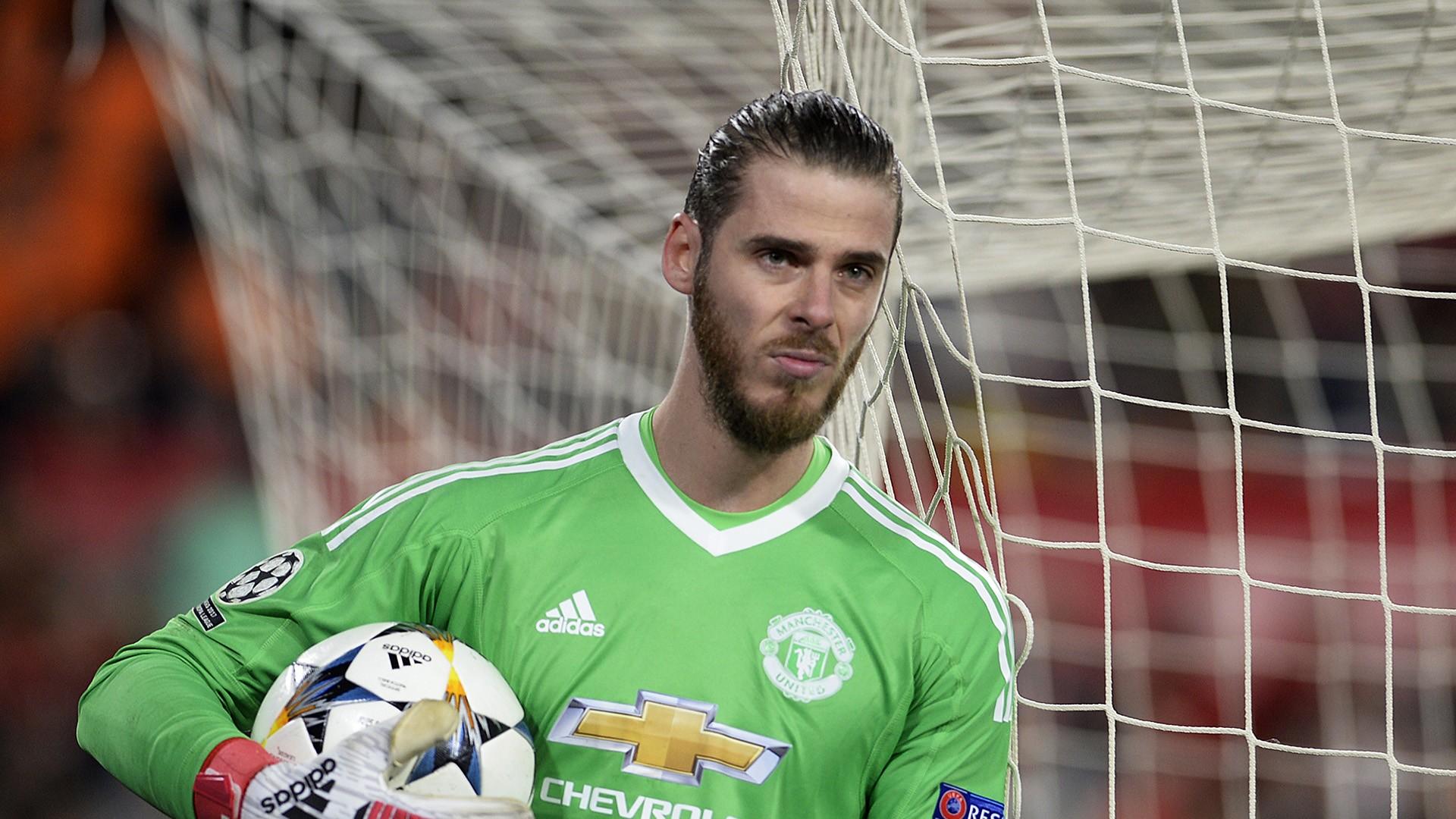 Man United phá kỷ lục thay thế thủ môn De Gea