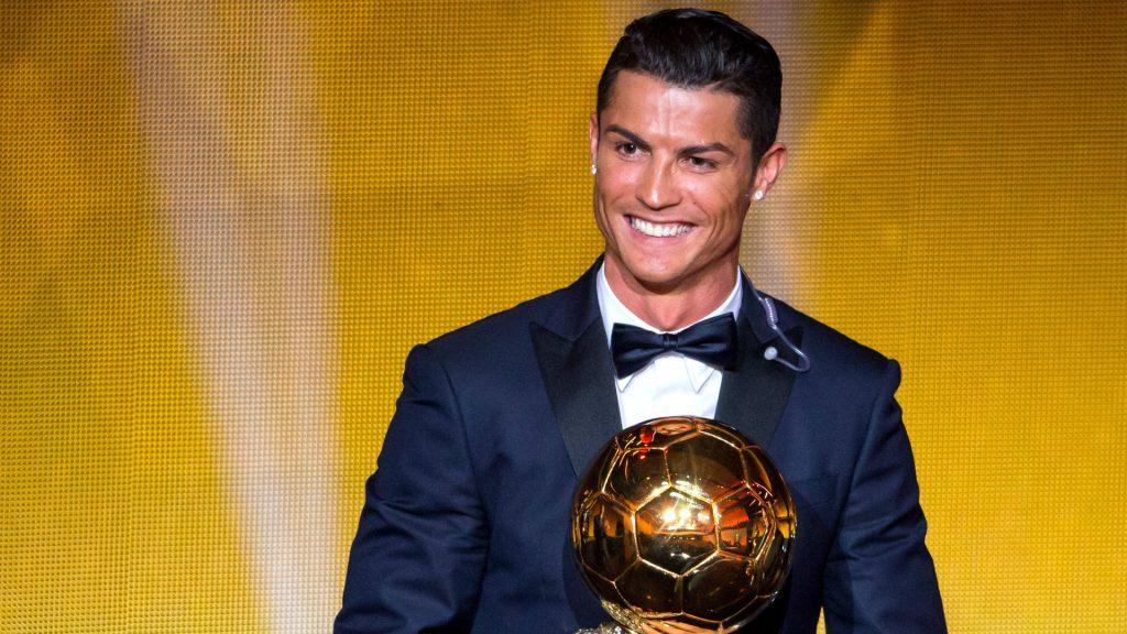 hinh anh Ronaldo cung cup bong da