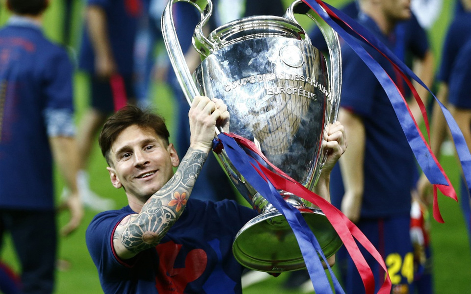 hinh anh messi cung cup vo dich