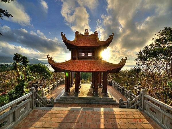 Ý nghĩa điềm báo mơ thấy chùa