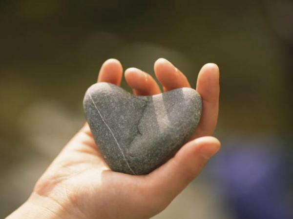 Giải mã ý nghĩa việc chiêm bao thấy viên đá nhỏ