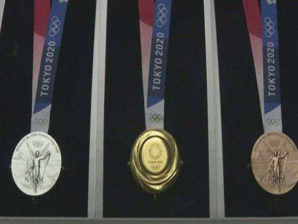 Tin bóng đá trưa 15/7: VĐV ở Olympic sẽ không được trao huy chương