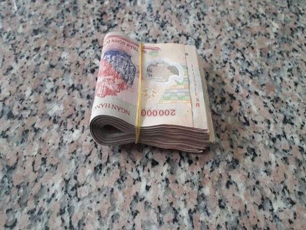 Nằm mơ thấy nhặt được tiền là điềm gì – Đánh số nào phù hợp