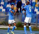 Tin bóng đá trưa 18/10: Napoli cân bằng kỉ lục toàn thắng